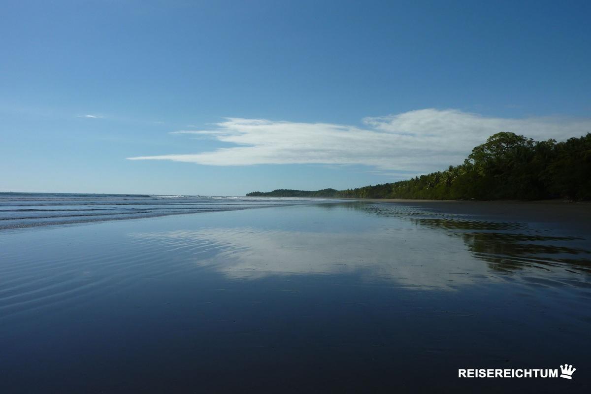 Der Uvita Strand | Foto: Reisereichtum