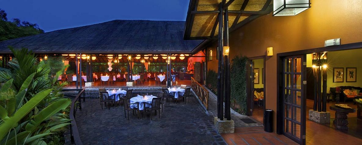 Aussen- und Restaurantbereich  Foto: Hotel Nayara Spa & Gardens