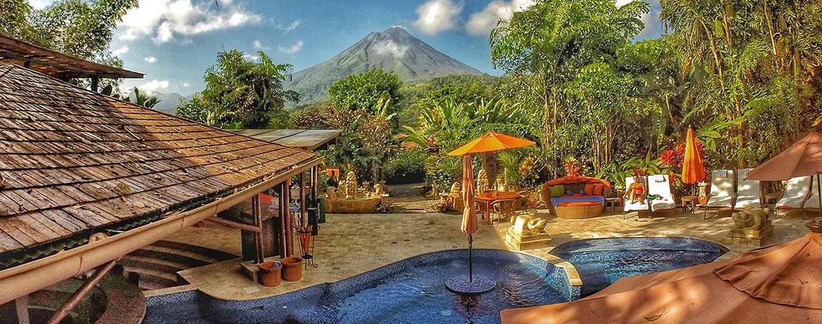 Aussicht zum Vulkan vom Hotelgeände aus  Foto: Hotel Nayara Spa & Gardens