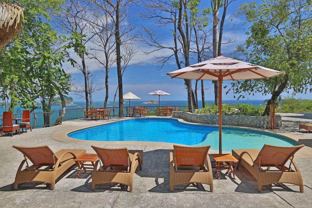Poolbereich   Foto: Hotel Arenas del Mar Beachfront & Rainforest Resort