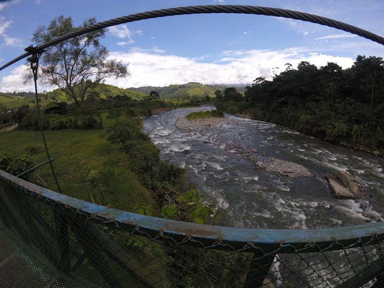 Orosi Fluss Brücke