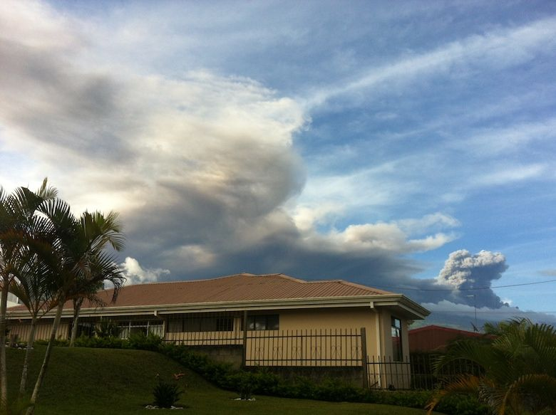 Vulkan Turrialba sehr aktiv